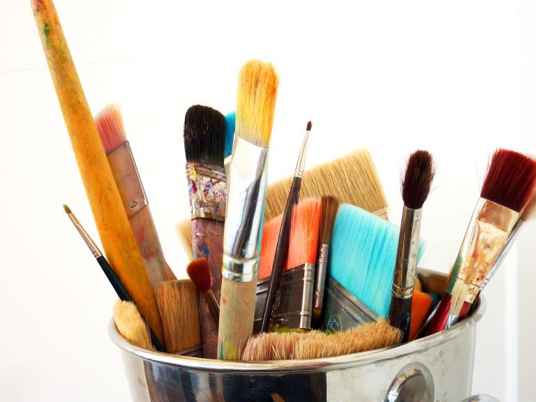 brush-2273063_1920